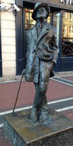 Statue of James Joyce Henry St. Dublin | By Etiennekd, via Wikimedia Commons